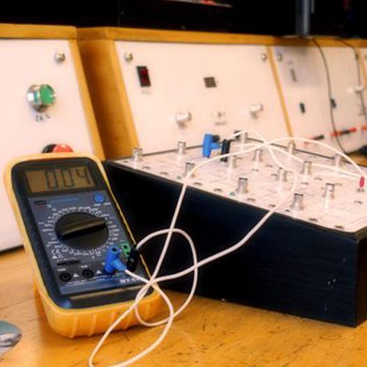 Technik elektronik